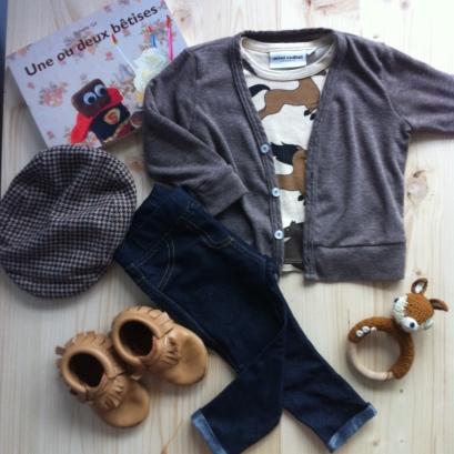 T-Shirt Mini Rodini / Legging Zara / Gilet American Apparel / Chaussons Freshly Picked / Casquette H&M / Hochet Sebra / Livre Une ou deux bêtises collection l'école des loisirs