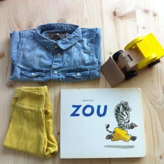 Chemise H&M / Legging American Apparel / Livre Zou collection L'ecole des loisirs / Camion en bois HEMA